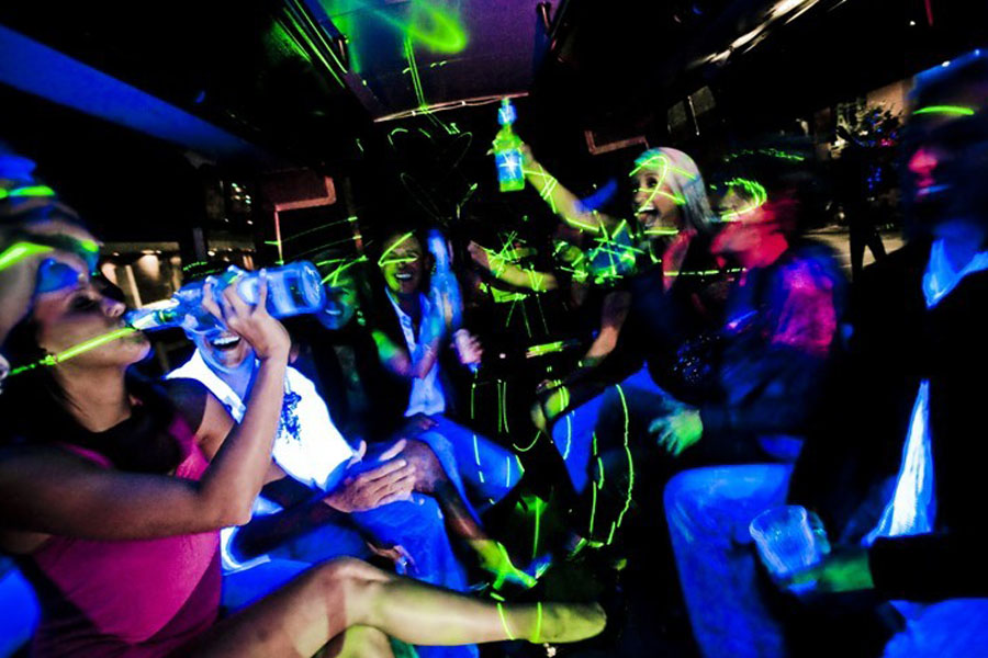 advantages of party bus las vegas